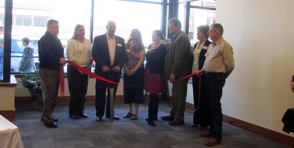 Ribbon-Cutting-(needs-cropped)-(2)
